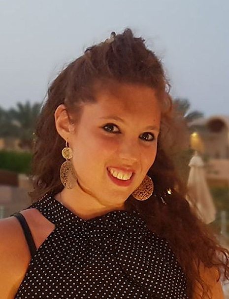 Claudia | Cassiera